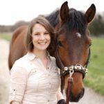 Ausbildung und Sattel für Reiter und Pferd